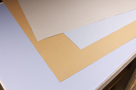 Different colored background papers allows good contrast for a variety of subjects.