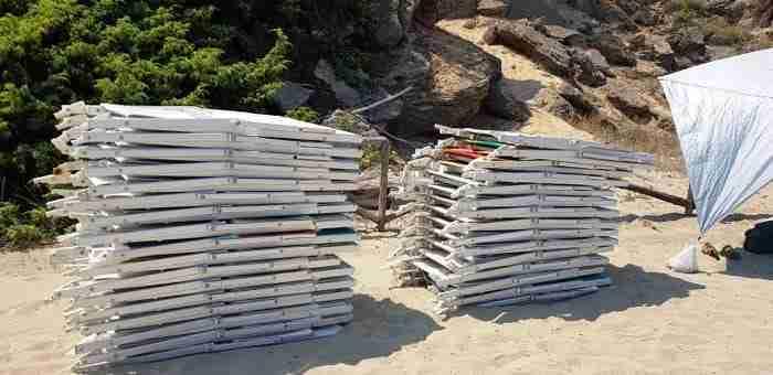 Attrezzature balneari sequestrate a Quarto di Monte