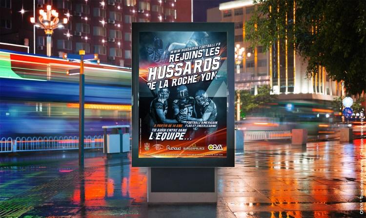 LES-HUSSARDS-Affiche-rue