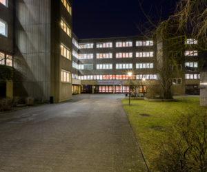 Louise Schroeder Schule Nachtaufnahme