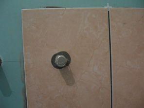 укладка плтки в ванной023