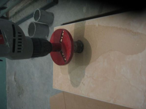 укладка плтки в ванной028