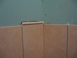 укладка плтки в ванной033