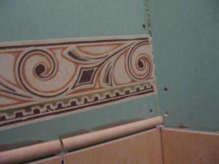 укладка плтки в ванной037