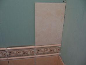 укладка плтки в ванной044