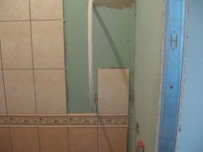 укладка плтки в ванной072