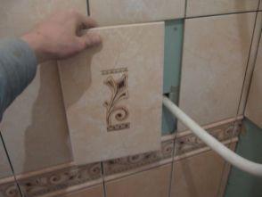 укладка плтки в ванной091