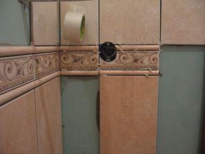 укладка плтки в ванной094