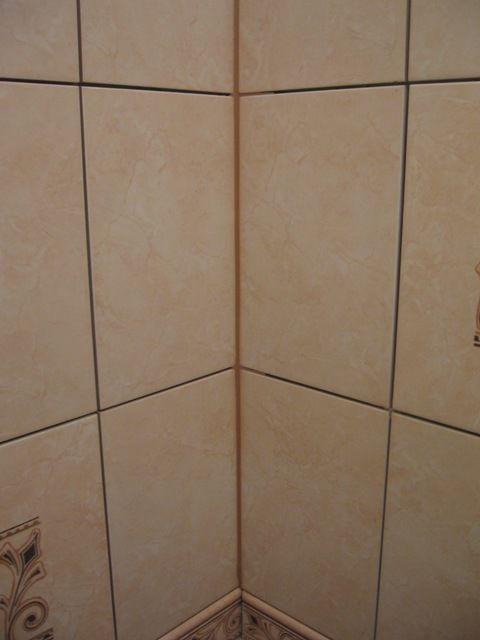 укладка плтки в ванной128