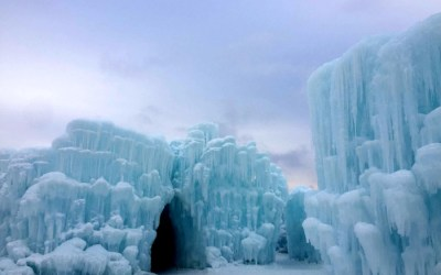 Visiting Ice Castles in Lake Geneva Wisconsin + Tips