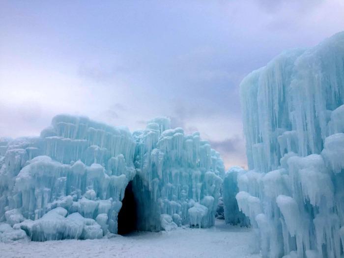 Visiting Ice Castles in Lake Geneva Wisconsin + Tips
