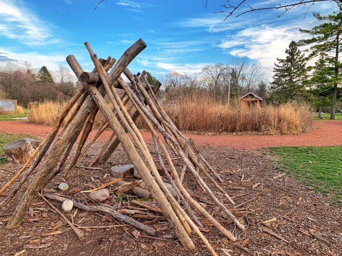 Fun with the family at Lincoln Marsh in Wheaton. Find easy hiking trails, scenic views of the marsh, and Prairie Patch nature playground.