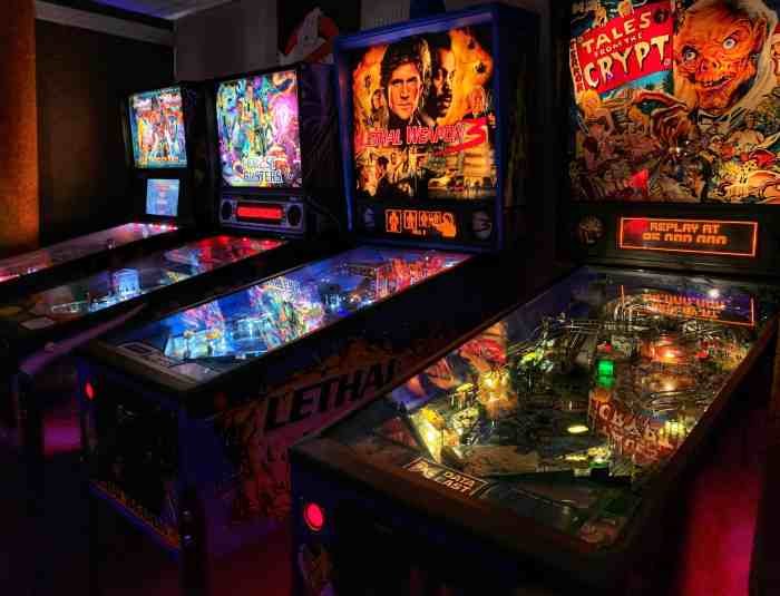 Old school retro arcade fun at Underground Retrocade in downtown West Dundee. A fun spot for families and couples. Pay once and play all day!