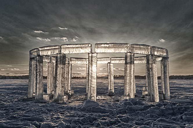 5 φίλοι κατασκεύασαν το «Icehenge» στη μέση μιας παγωμένης λίμνης (2)