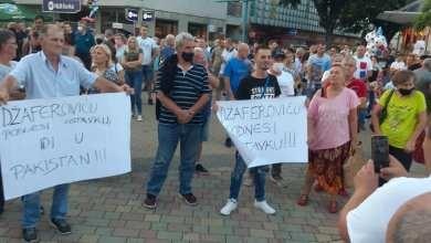 Photo of U Bihaću održan protest građana koji traže rješenje migrantske krize