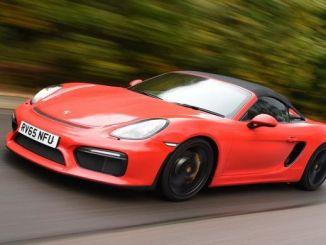 Supercar Porsche Pakai Bahan Bakar OKtan ROn 95