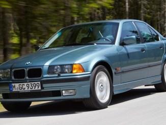 Mobil Legendaris BMW seri 3 E36