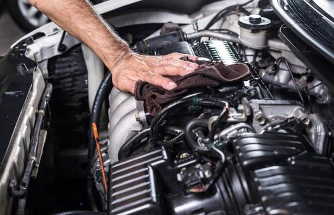 Perhatikan Kebersihan Ruang Mesin Sebelum mobil dijual