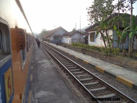 jalan kereta api jabar (1)
