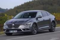 2016-Renault-Talisman-scene-17