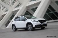 2017-Peugeot-2008-dynamic_034