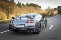 2017-Nissan-GT-R_004