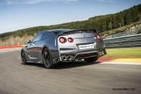 2017-Nissan-GT-R_022