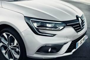 2017-Renault-Megane-Sedan_011