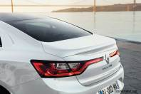 2017-Renault-Megane-Sedan_013