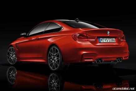 2018 BMW M4 Coupe Stüdyo Arkadan görünüm yansıma