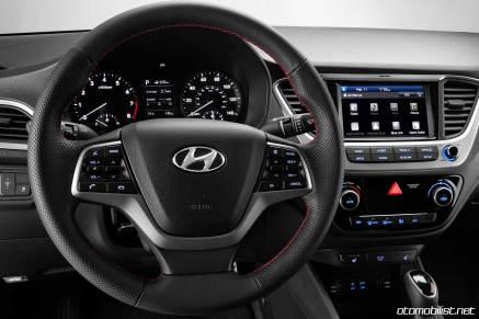 2018 Hyundai Accent direksiyon konsol