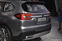 2018 Subaru Ascent SUV Concept bagaj kapağı logo stop