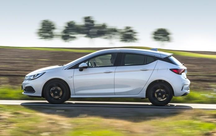 Opel Astra Hatchback (4)