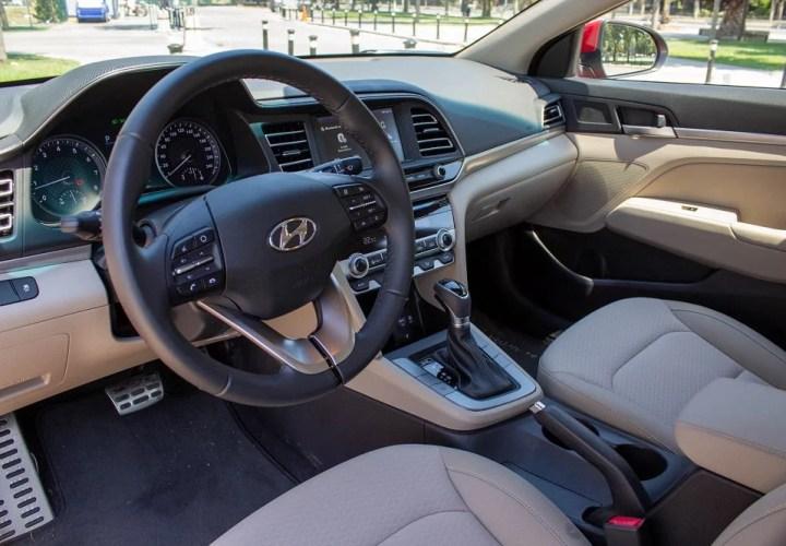 Hyundai Elantra 1.6 2020 Test Sürüşü