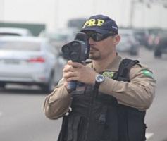 PRF volta a fiscalizar rodovias federais com radares móveis
