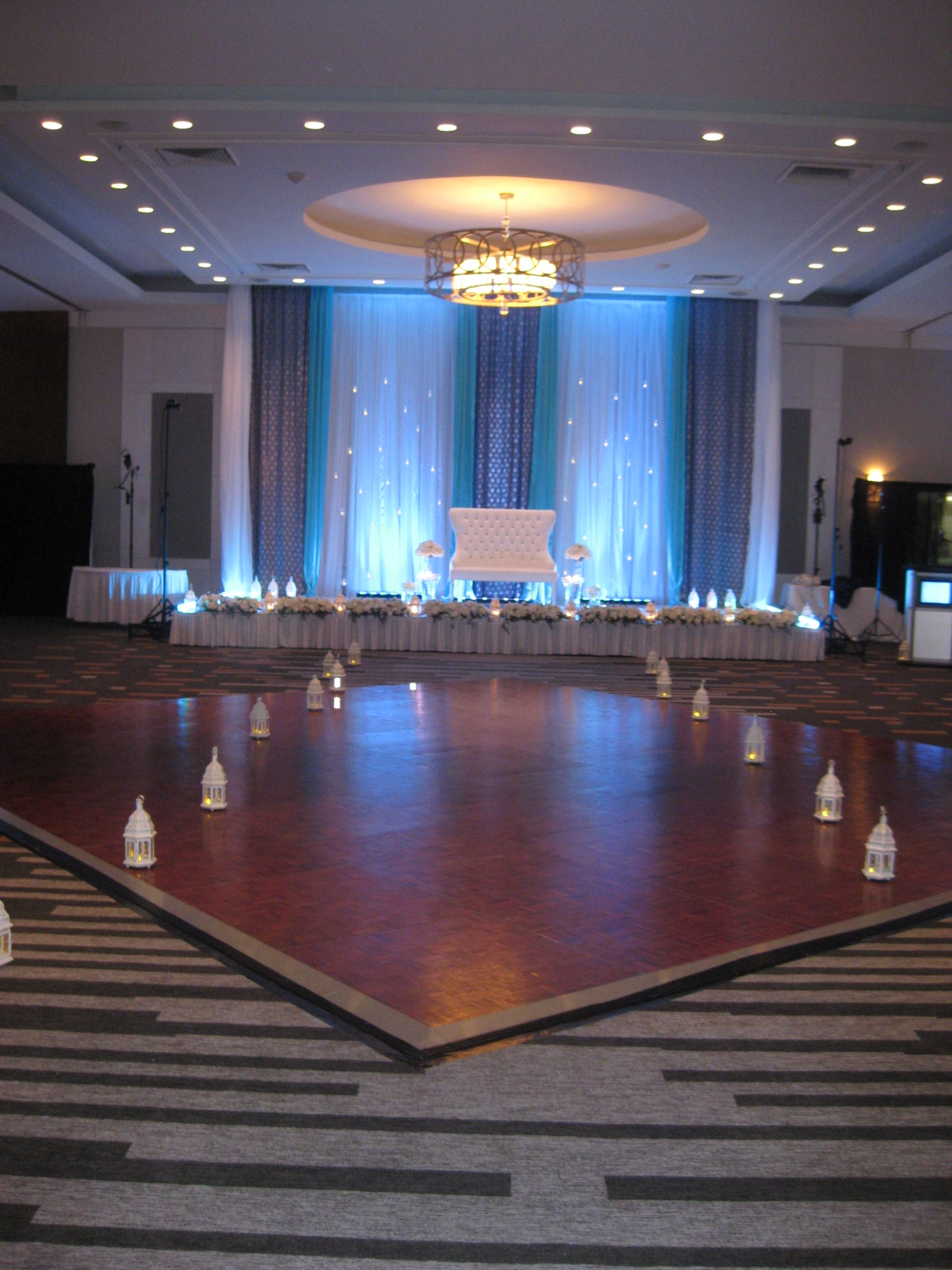 chair covers rental ottawa wing chairs for sale 414