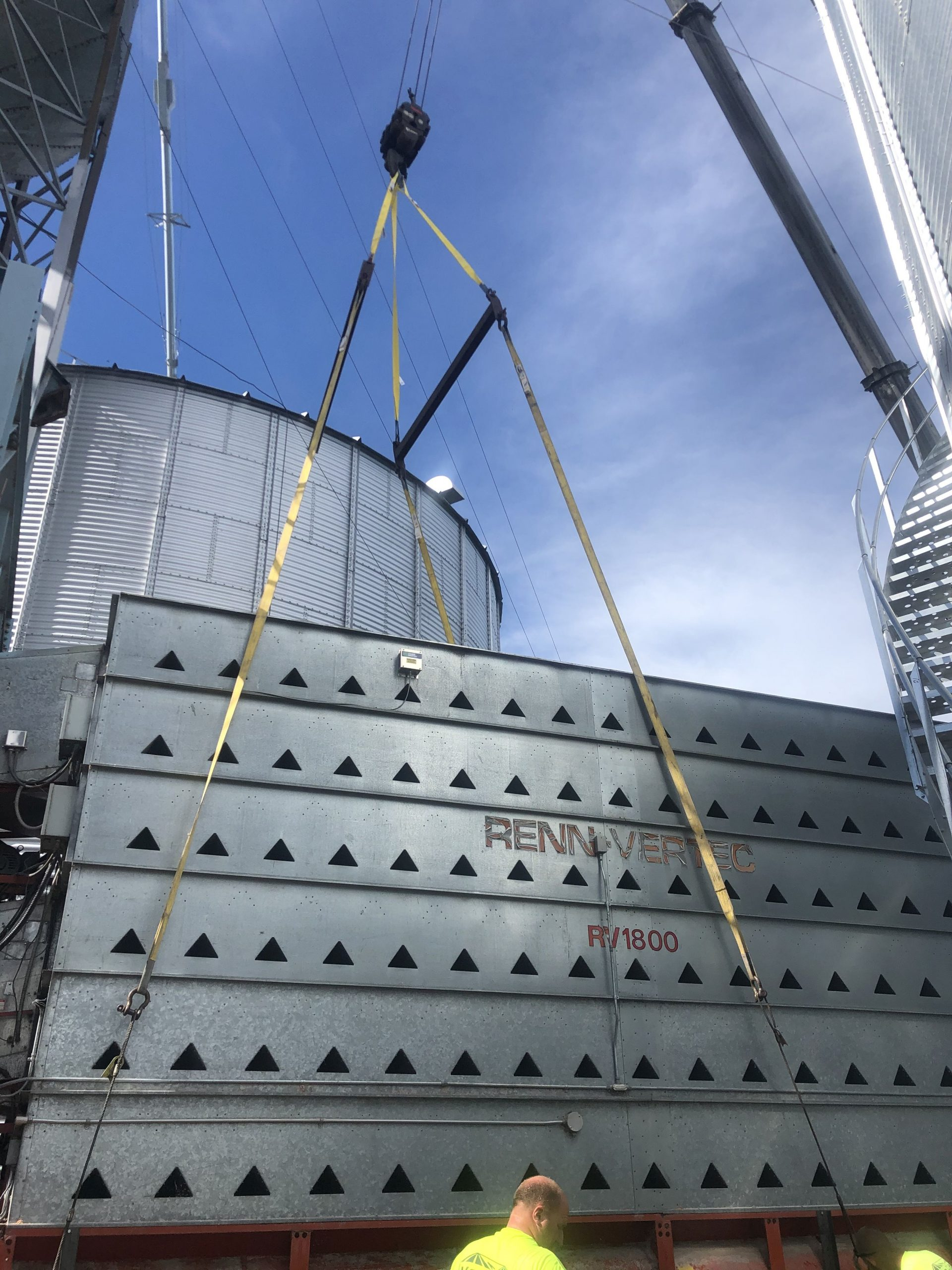 Lifting the old grain dryer
