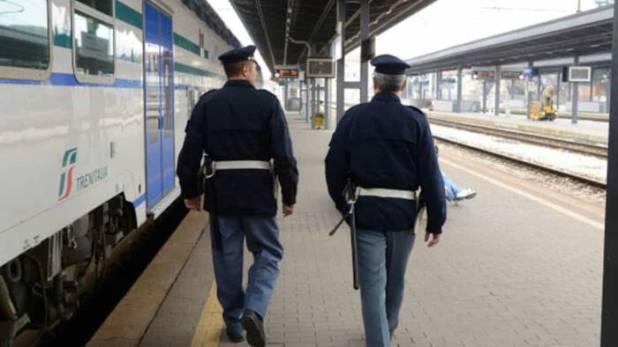lotta ai venditori abusivi nelle stazioni ferroviarie