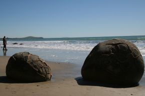 New Zealand round boulders