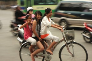 3 on a bicycle, no problem