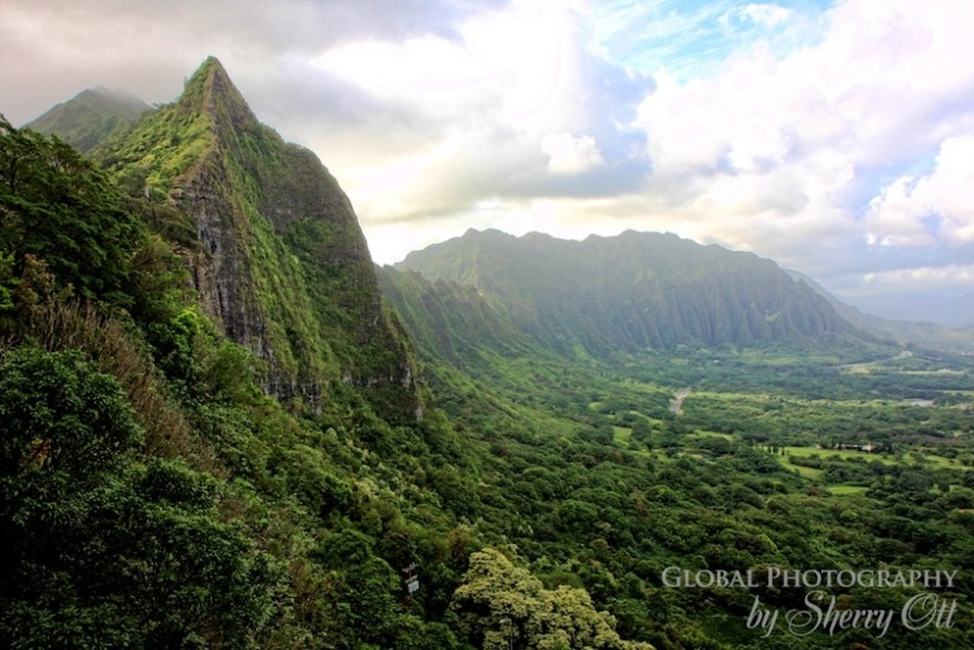 hiking on oahu Pali Trail