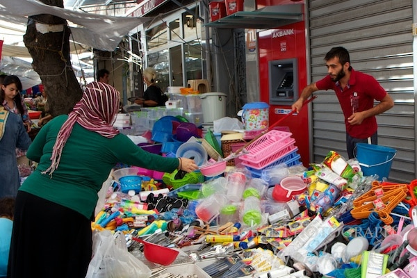 Taralbasi Sunday market