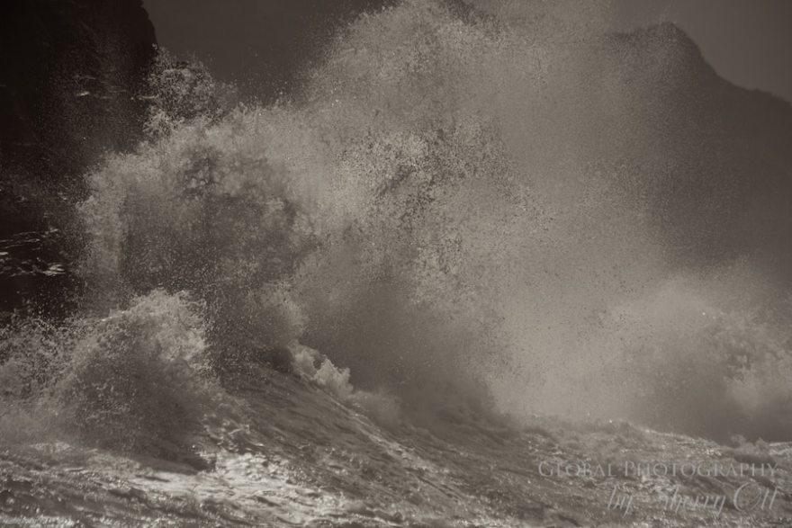 photographing waves kauai