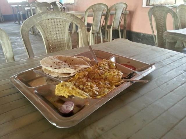 breakfast in India on the rickshaw run
