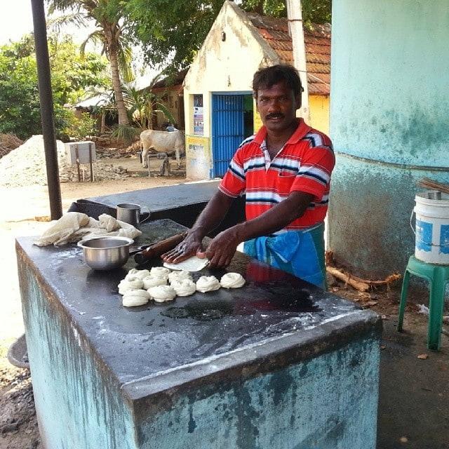 roadside lunch in India