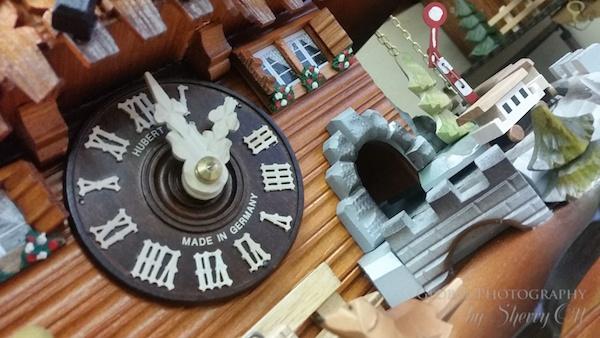 black forest cuckoo clocks manufacturing