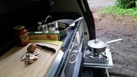 Jucy Camper van kitchen