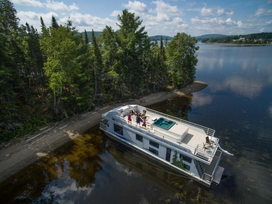 houseboat vacation rental