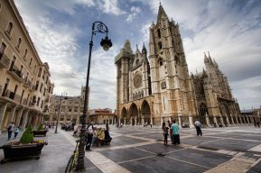 camino de santiago group tours