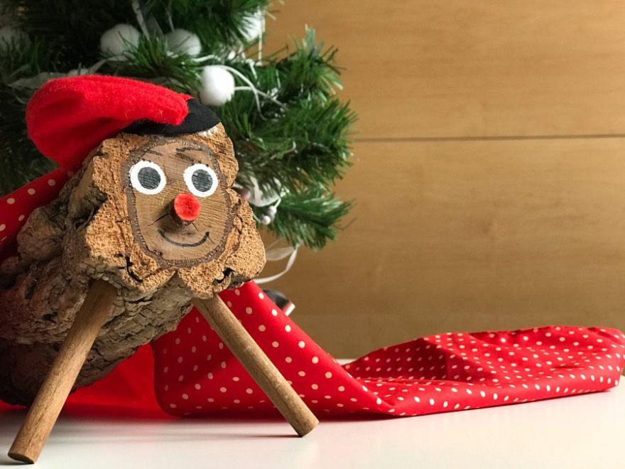 caga tio poop log catalan christmas